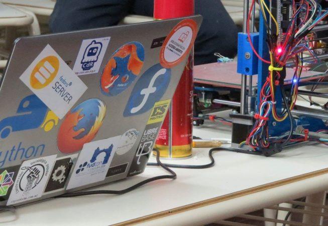 Software libre y hardware libre para una sociedad libre